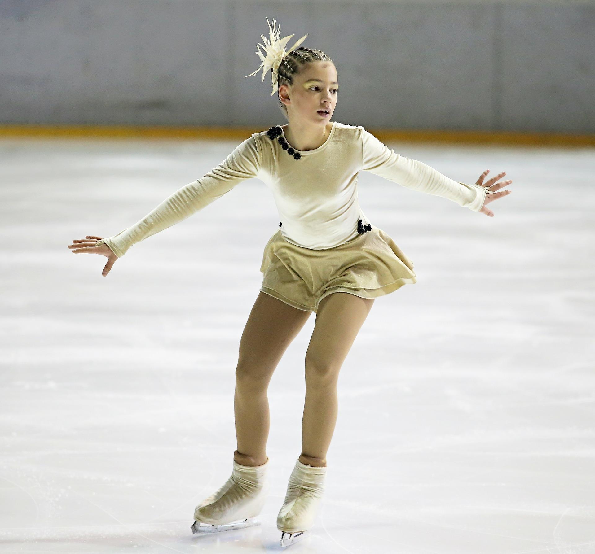 figure-skater-266512_1920